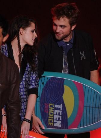 Robert Pattinson, Kristen Stewart & Taylor Lautner Aux Teen Choice Awards 2012