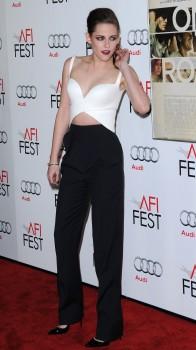 """Kristen Stewart En Femme Fatale Pour La Première de """"On The Road"""" à L'AFI Fest"""