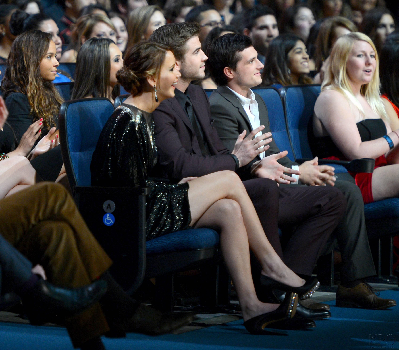 Hunger Games Cast - PCA -2013 -Backstage- 010