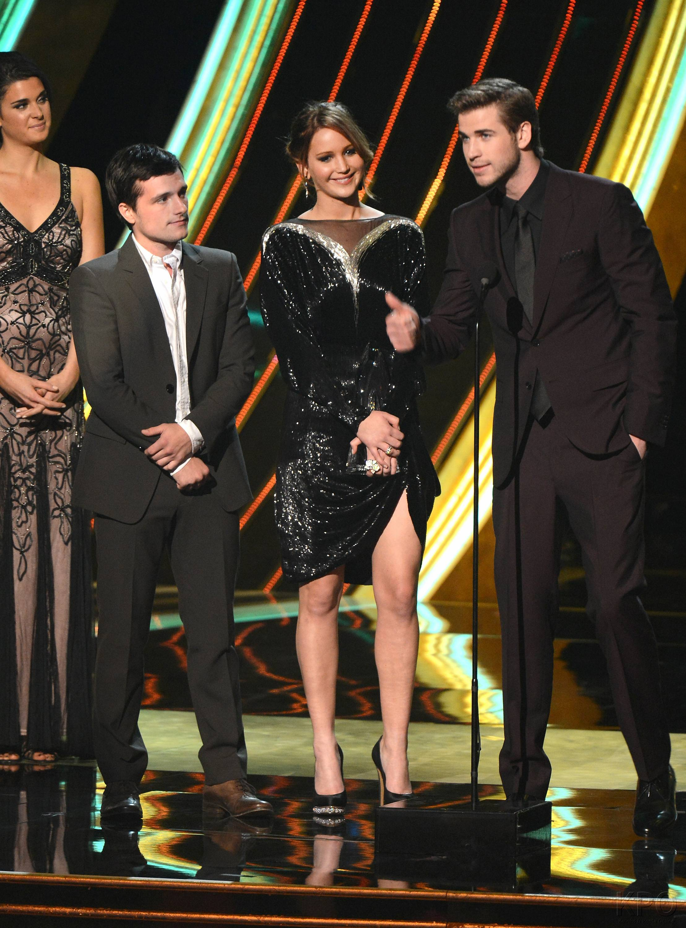 Hunger Games Cast - PCA -2013 -Nominations- 009