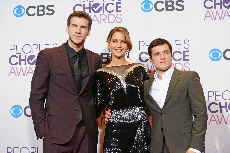 Hunger Games Cast - PCA -2013 -Press-Room- 007