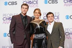 Hunger Games Cast - PCA -2013 -Press-Room- 007