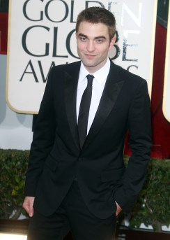 Robert Pattinson Aux Golden Globe 2013 - Red Carpet- 0003