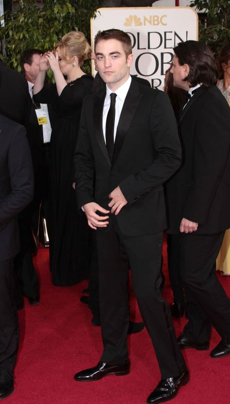 Robert Pattinson Aux Golden Globe 2013 - Red Carpet- 0013