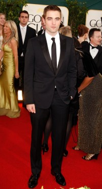 Robert Pattinson Aux Golden Globe 2013 - Red Carpet- 0014
