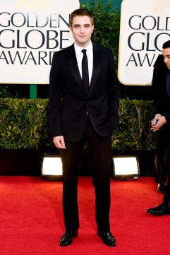 Robert Pattinson Aux Golden Globe 2013 - Red Carpet- 0023