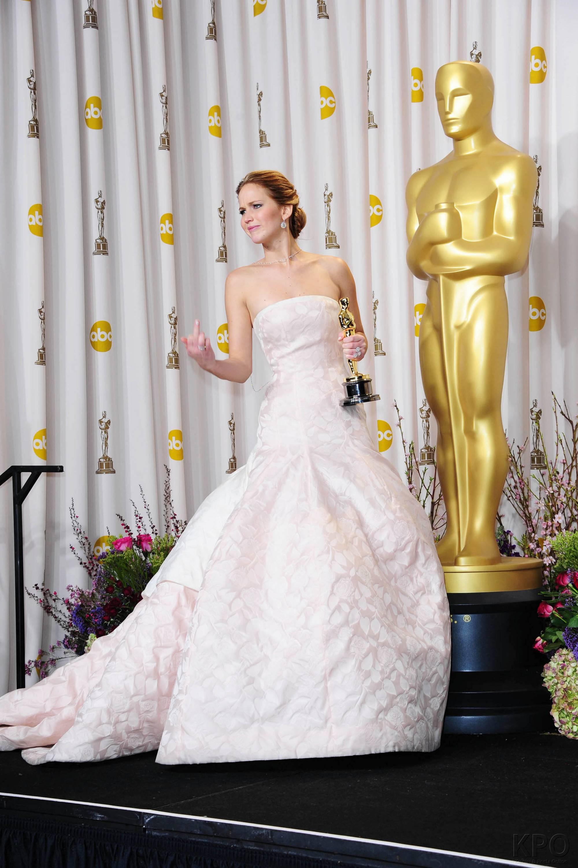 Jennifer Lawrence - L'Après Oscar - La Press Room 024