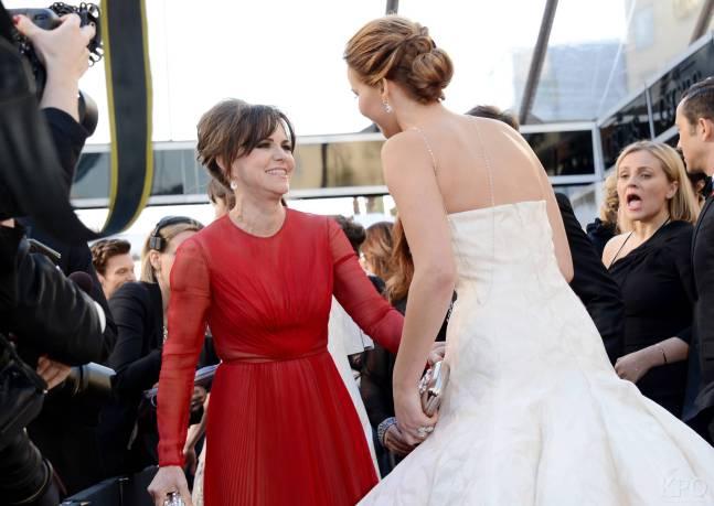 Jennifer Lawrence - Le Red Carpet de la 85eme Cérémonie des Oscars 008