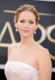 Jennifer Lawrence - Le Red Carpet de la 85eme Cérémonie des Oscars 012