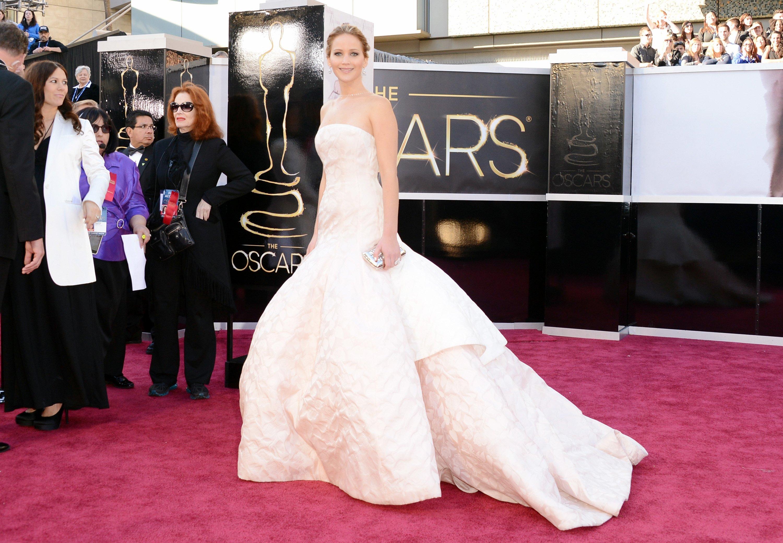 Jennifer Lawrence - Le Red Carpet de la 85eme Cérémonie des Oscars 014