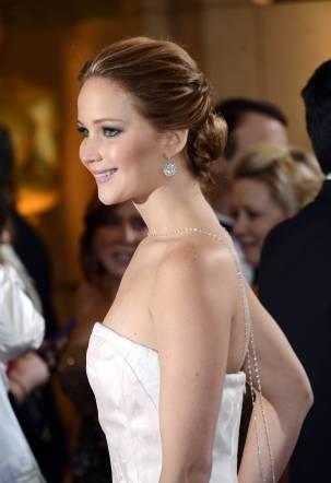 Jennifer Lawrence - Le Red Carpet de la 85eme Cérémonie des Oscars 019