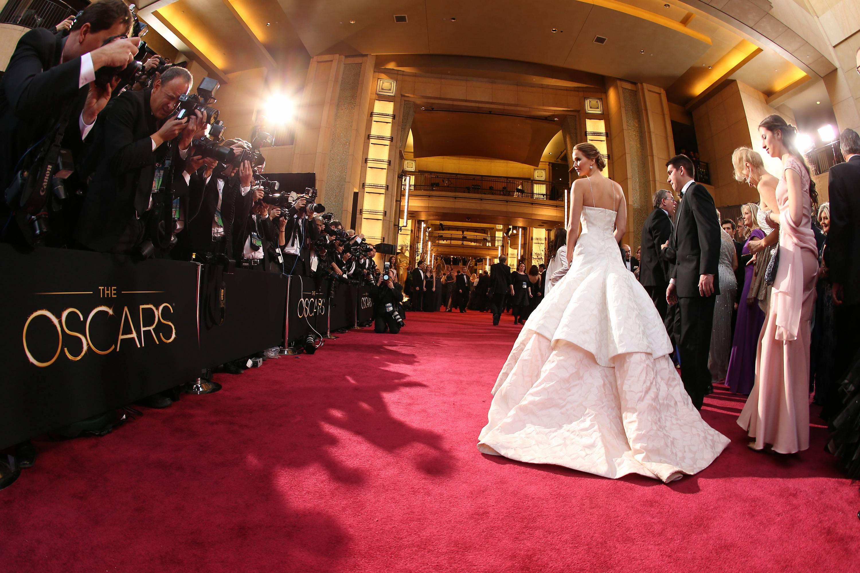 Jennifer Lawrence - Le Red Carpet de la 85eme Cérémonie des Oscars 020