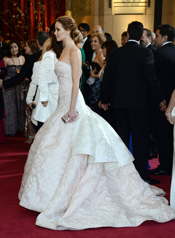 Jennifer Lawrence - Le Red Carpet de la 85eme Cérémonie des Oscars 037