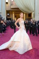 Jennifer Lawrence - Le Red Carpet de la 85eme Cérémonie des Oscars 040