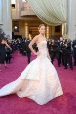 Jennifer Lawrence - Le Red Carpet de la 85eme Cérémonie des Oscars 040