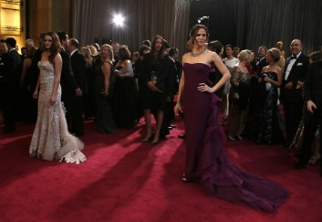 Kristen Stewart à la 85eme cérémonie des Oscars - Le Red Carpet 001