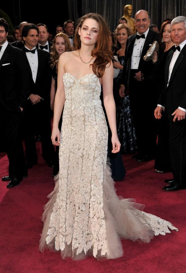 Kristen Stewart à la 85eme cérémonie des Oscars - Le Red Carpet 013