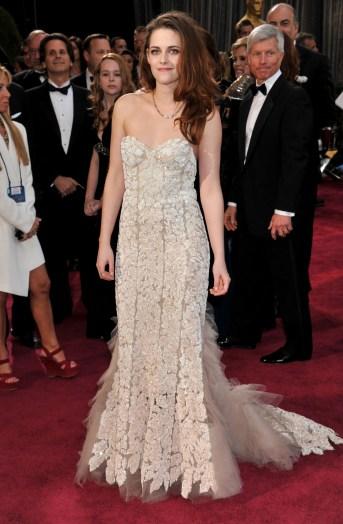 Kristen Stewart à la 85eme cérémonie des Oscars - Le Red Carpet 014