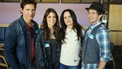 Photo de Nikki Reed & certains membres du cast à l'hôpital des enfants malades.
