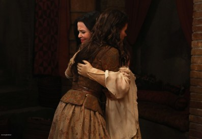 Once Upon A Time Saison 2 - Fiche Episode N°7 - Child Of The Moon - Les Enfants de la Lune 013