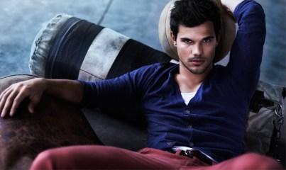 Taylor Lautner pour Bench 01