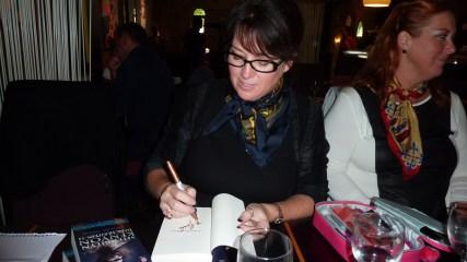 Sherrilyn Kenyon - Paris - 14-09-13 - 026