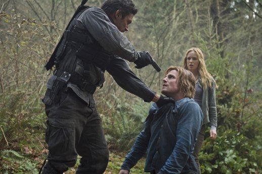 Arrow - S02E12 - Stills