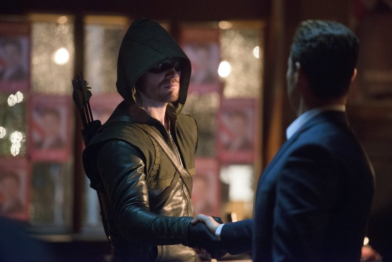 Arrow - S02E10 - Stills