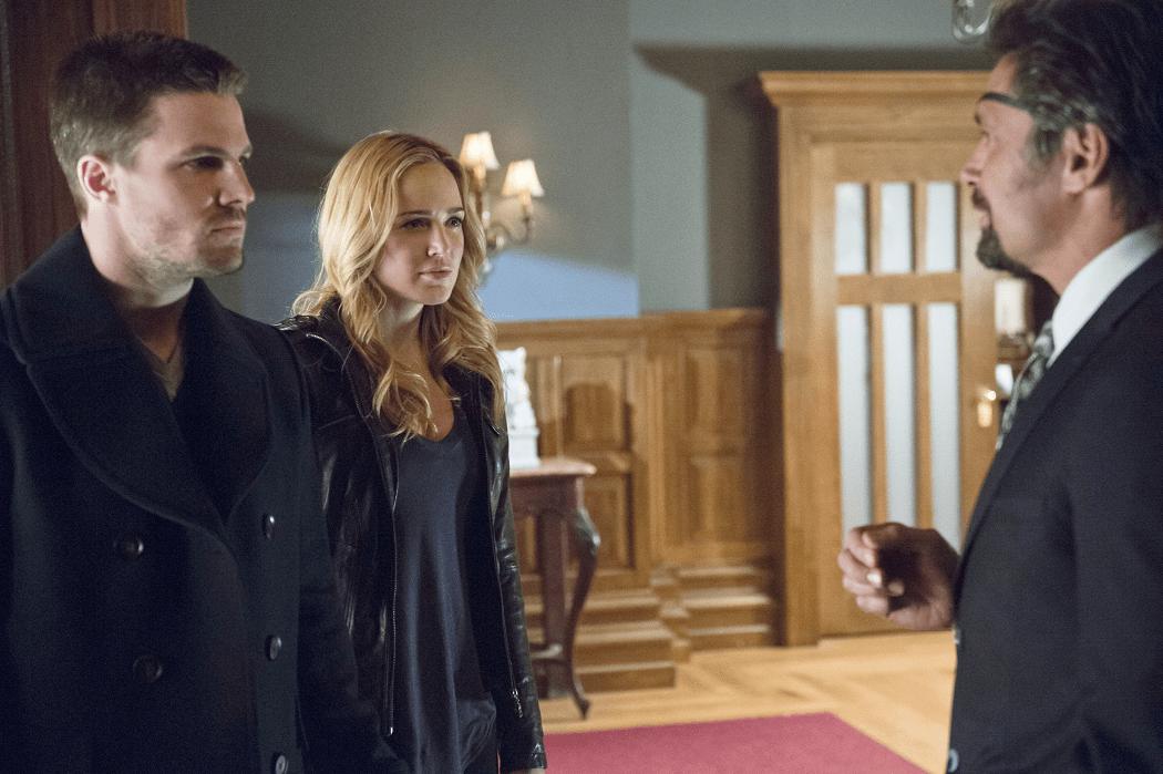 Arrow - S02E15 - Oliver, Sara et Slade
