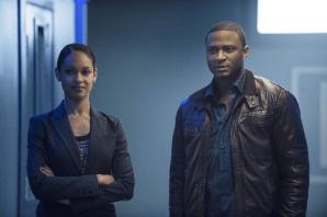 Arrow - S02E16 - Diggle et Amanda Waller