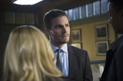 Arrow - S02E18 - Oliver, Diggle et Sara