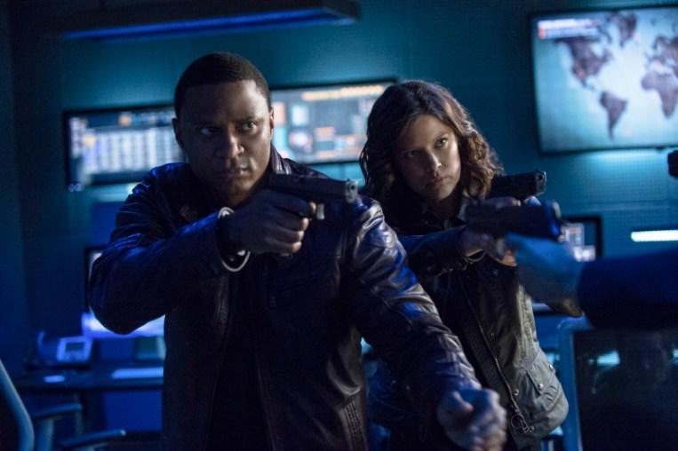 Arrow - S02E23 - Diggle et Lila