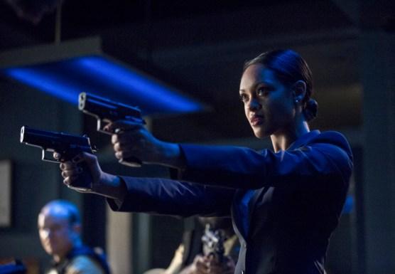 Arrow - S02E23 - Amanda Waller