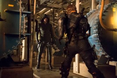 Arrow - S02E23 - Oliver et Slade