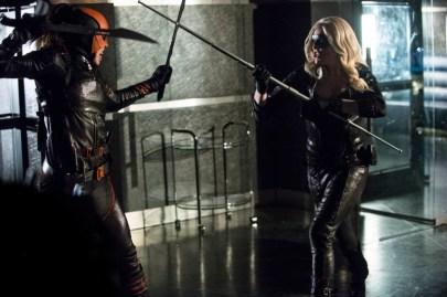 Arrow - S02E23 - Sara et Isabel