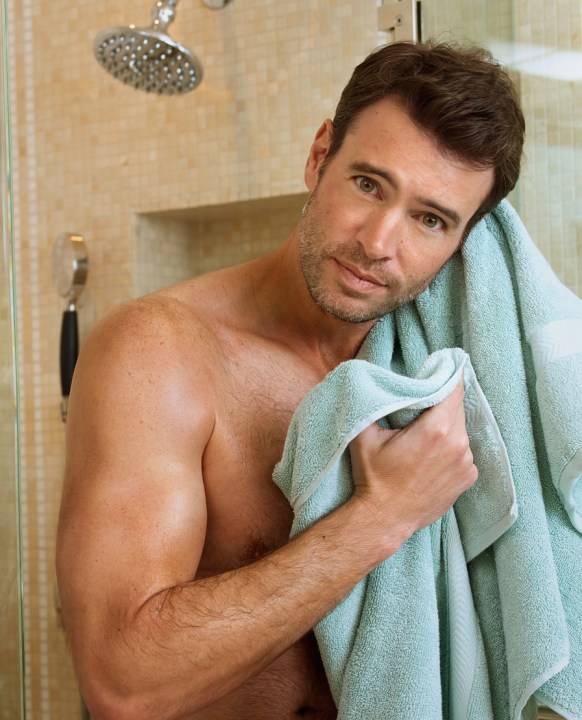scott foley pour charisma 2
