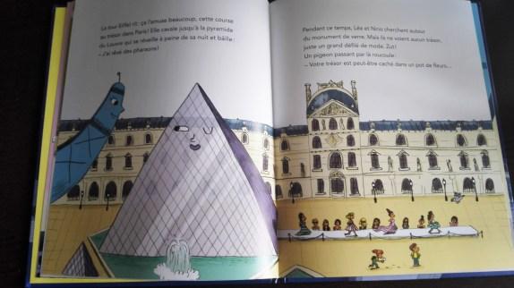 La Tour Eiffel se balade à Paris Extrait 2