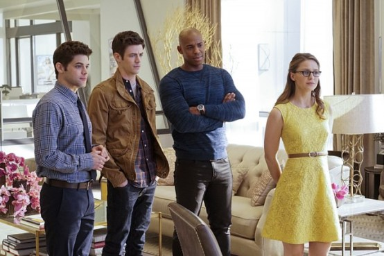 Supergirl S1 - Winn, Barry, James et Kara