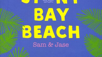 Photo of Stony Bay Beach : Sam & Jase de Huntley Fitzpatrick