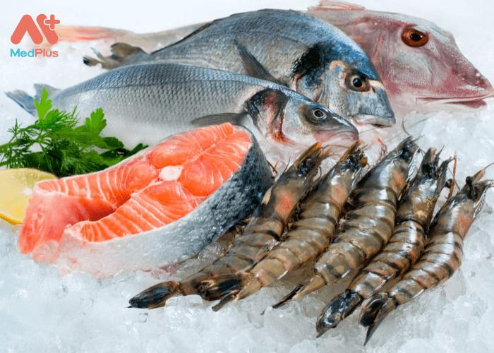 Chất béo omega 3 dồi dào trong đồ ăn biển cung cấp dưỡng chất cần thiết cho phụ nữ mang thai và giúp trẻ sơ sinh phát triển khỏe mạnh.