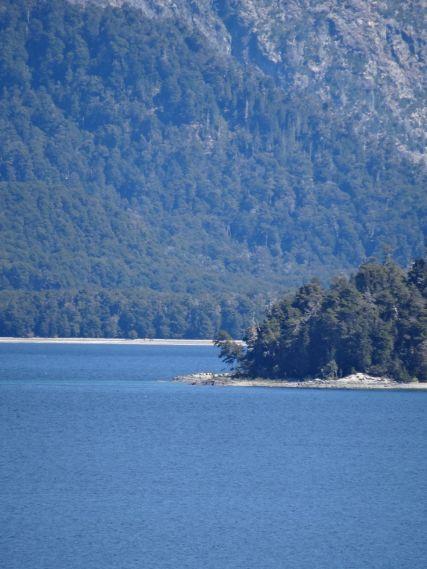 VILLA LA ANGOSTURA / Bivouac belvédère sur le lac