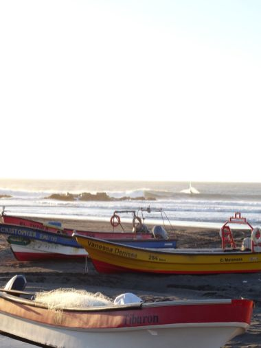 MATANZAS / Petit port de pêche et spot de surf