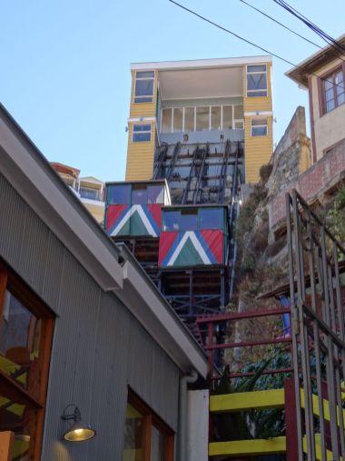 VALPARAISO / Rues - L'un des 8 ascenseurs en activité