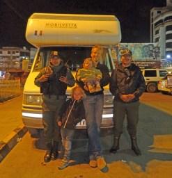 ORURO / Jusepe et Eddy, l'équipe de choc de la police touristique. Merci encore à eux pour leur aide précieuse.