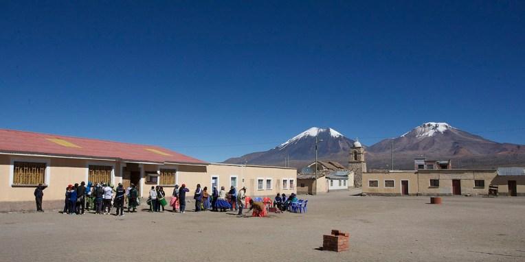 PN SAJAMA / Fête des 10 ans de la fanfare du village : musique, offrandes à Pachamama, et surtout de l'alcool…
