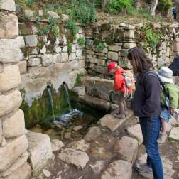 """LAC TITICACA / A Jumani, village principal au sud de l'ile, la """"fuente del Inca"""""""