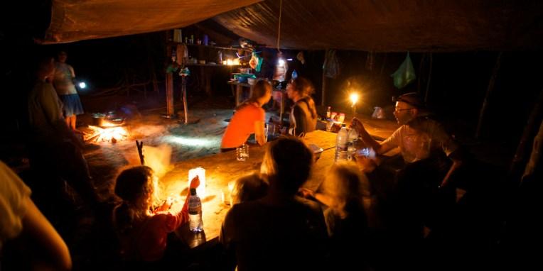 PN MADIDI / Après une nuit au lodge, nous passerons la seconde dans un campement à 3h de marche