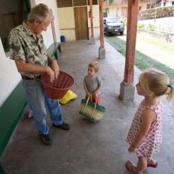 FINCA SANTA ELENA / Le café de A à Z expliqué aux enfants ;-) Merci encore à Mark pour sa patience