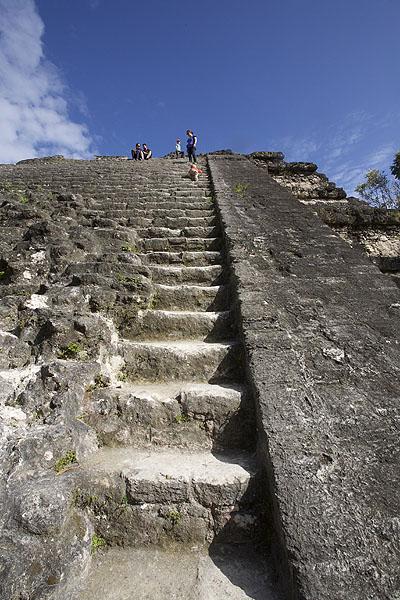 TIKAL / Les escaliers sont assez raides…