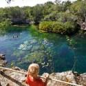 YUCATAN / Les cenotes furent des lieux fondamentaux de la culture maya. À cause de leur profondeur et de leur caractère énigmatique, les Mayas pensaient que les cénotes constituaient des portes d'accès au monde des morts.